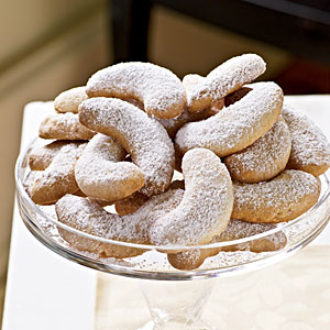 almond-crescents-ck-1941022-l