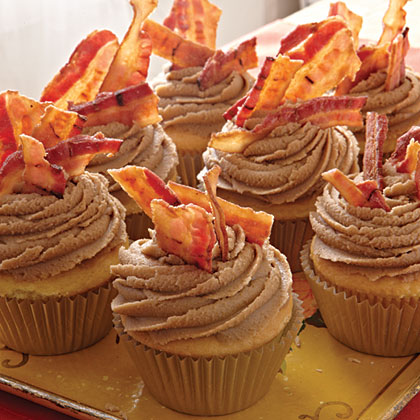 maple-bacon-cupcakes-x